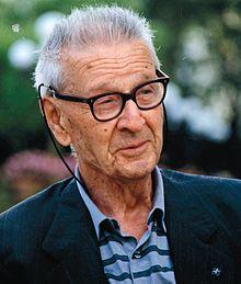 Giorgio Perlasca, un uomo normale con una storia straordinaria.